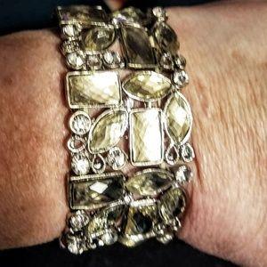 Jewelry - Rhinestone stretch bracelet
